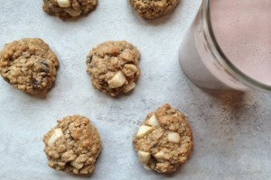 Oatmeal Raisin Cookies with Banana and Apple