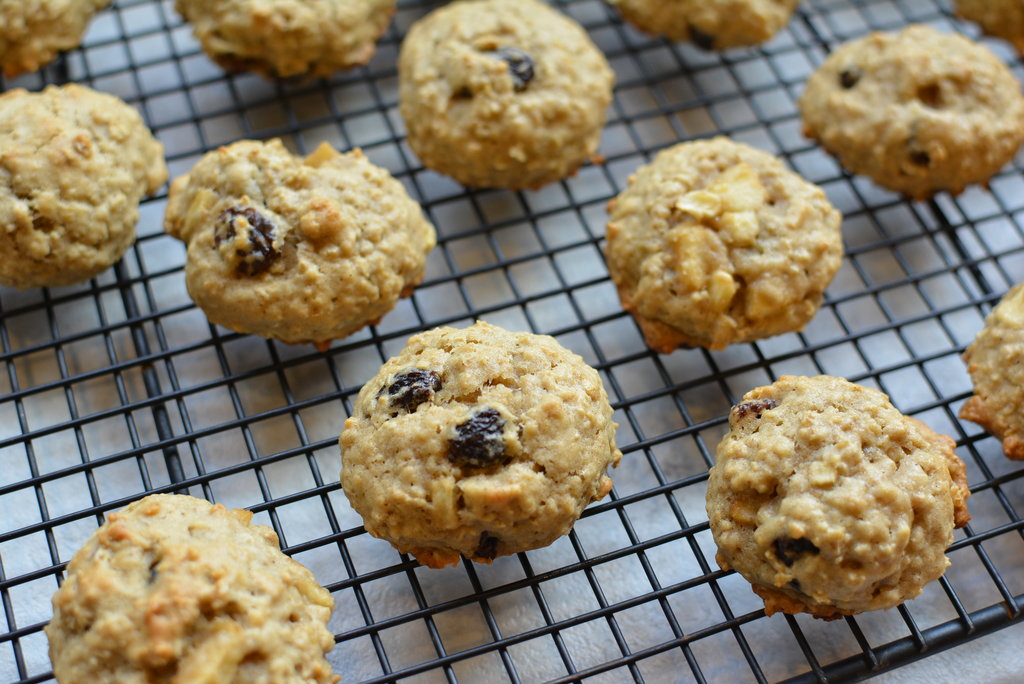 Oatmeal Raisin Apple Ban Cookie